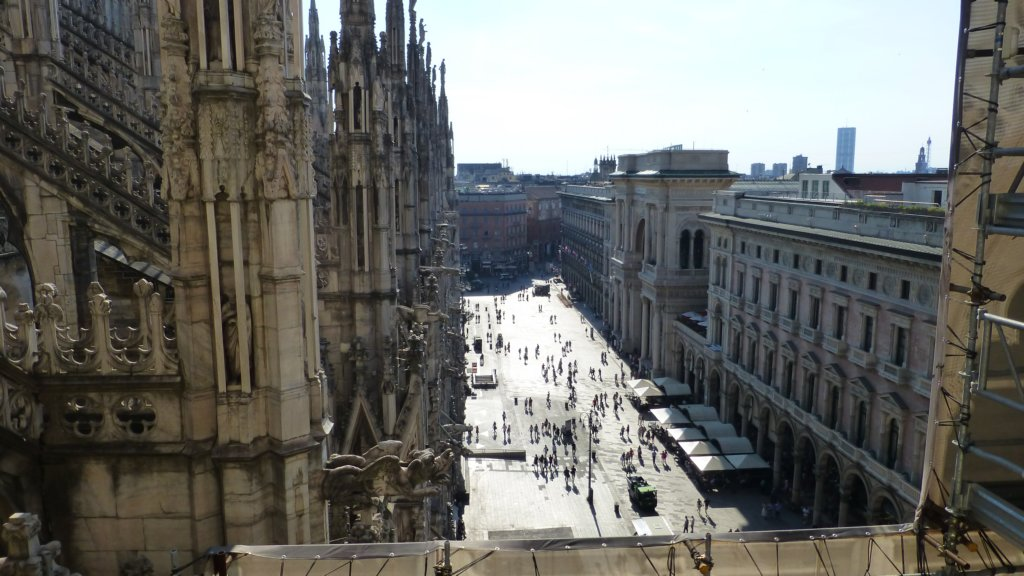 http://www.tonyco.net/pictures/Family_trip_2015/Milano/photo18.jpg
